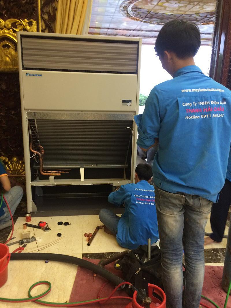 Lắp đặt máy lạnh tủ đứng 10 HP Daikin