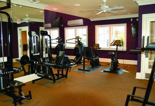 Máy lạnh treo tường cho phòng tập Gym