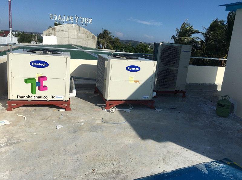 Lắp đặt dàn nóng máy lạnh Reetech giấu trần 10 HP cho nhà hàng tiệc cưới